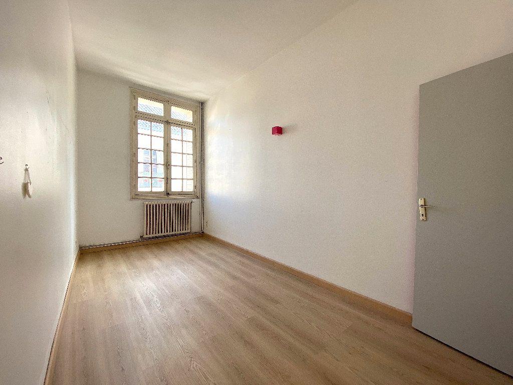 Appartement à vendre 5 196.96m2 à Béziers vignette-9