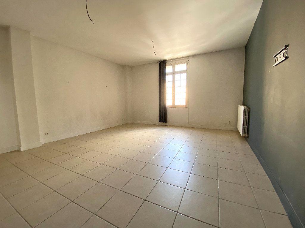 Appartement à vendre 5 196.96m2 à Béziers vignette-13