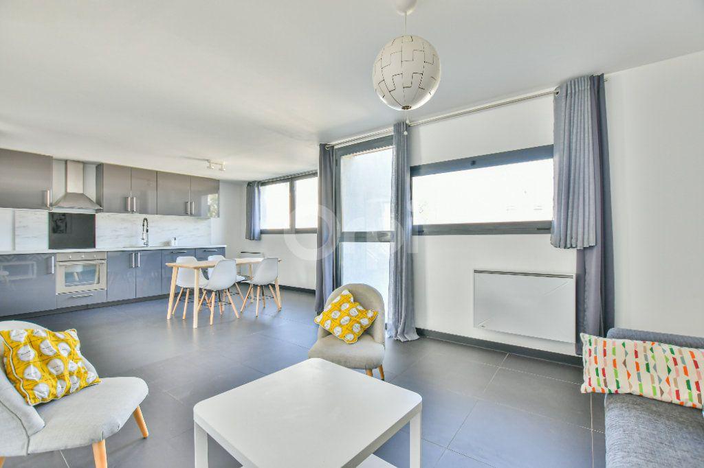 Appartement à louer 3 85.71m2 à Châtillon vignette-1
