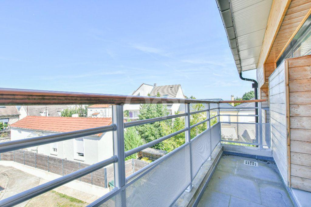 Appartement à louer 3 85.71m2 à Châtillon vignette-2