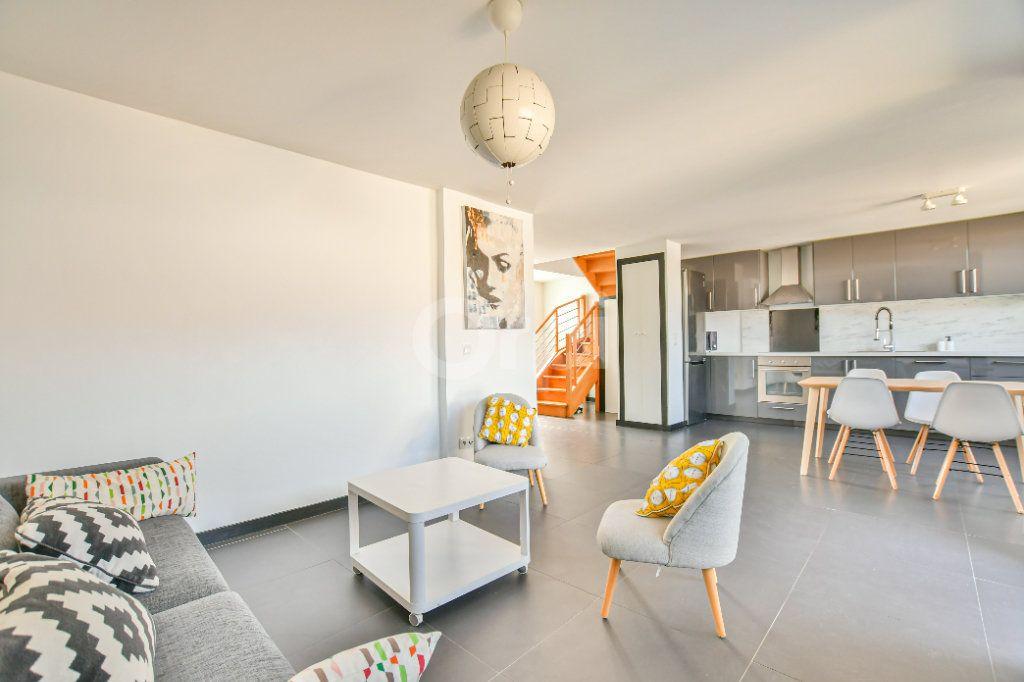 Appartement à louer 3 85.71m2 à Châtillon vignette-3