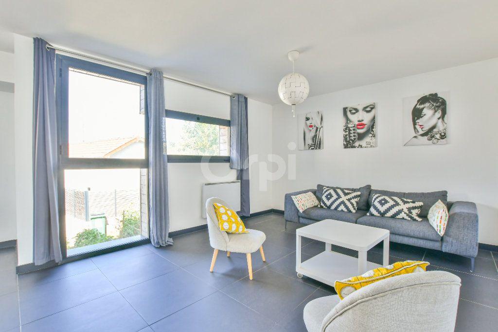 Appartement à louer 3 85.71m2 à Châtillon vignette-4