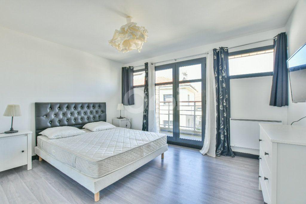 Appartement à louer 3 85.71m2 à Châtillon vignette-6