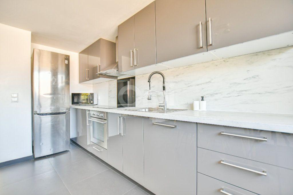 Appartement à louer 3 85.71m2 à Châtillon vignette-9