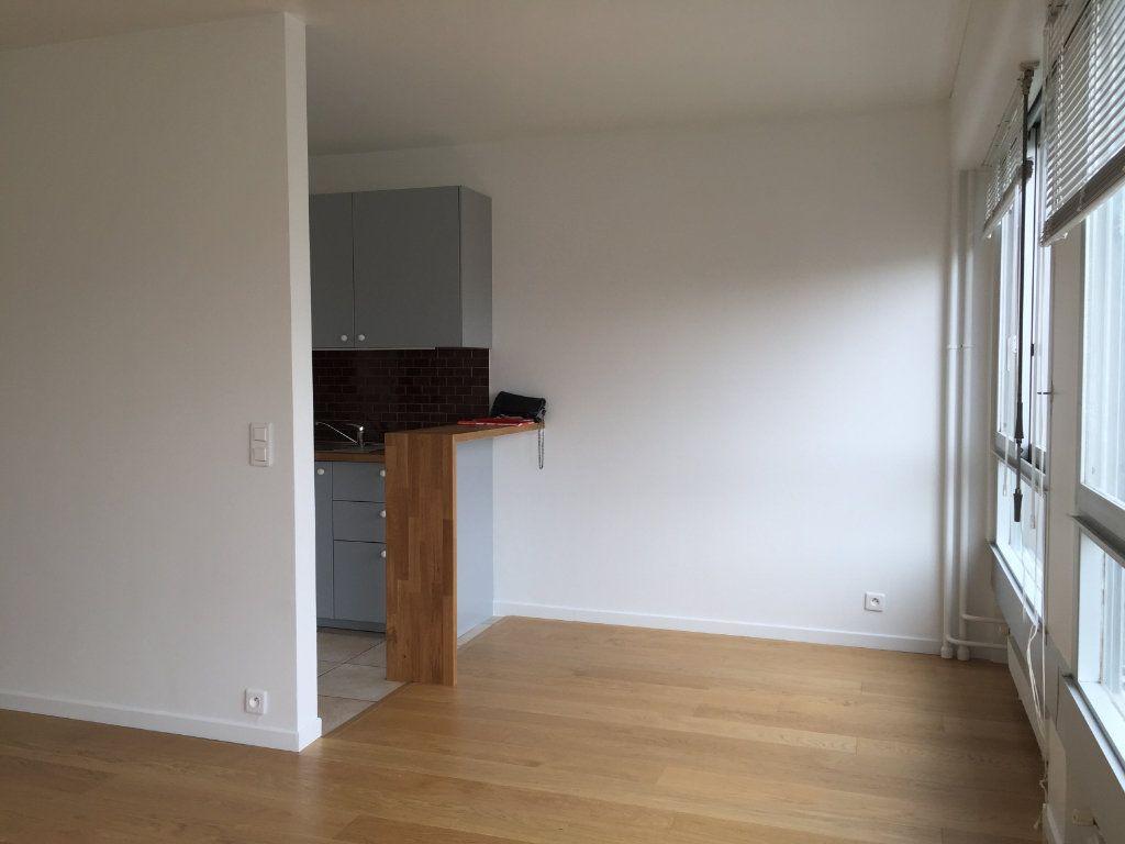 Appartement à louer 1 34.03m2 à Paris 15 vignette-3