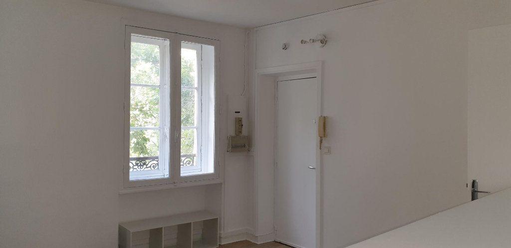 Appartement à louer 1 23.71m2 à Boulogne-Billancourt vignette-1
