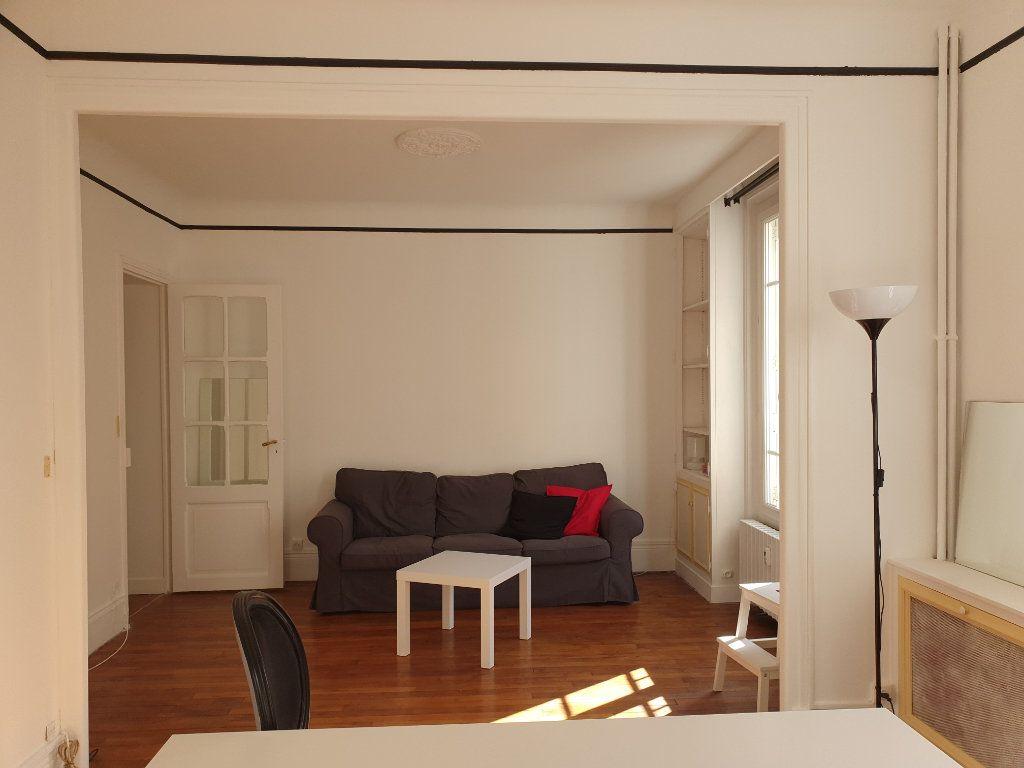 Appartement à louer 2 50.03m2 à Courbevoie vignette-2