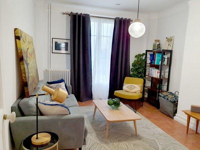 Appartement à louer 2 63m2 à Courbevoie vignette-1