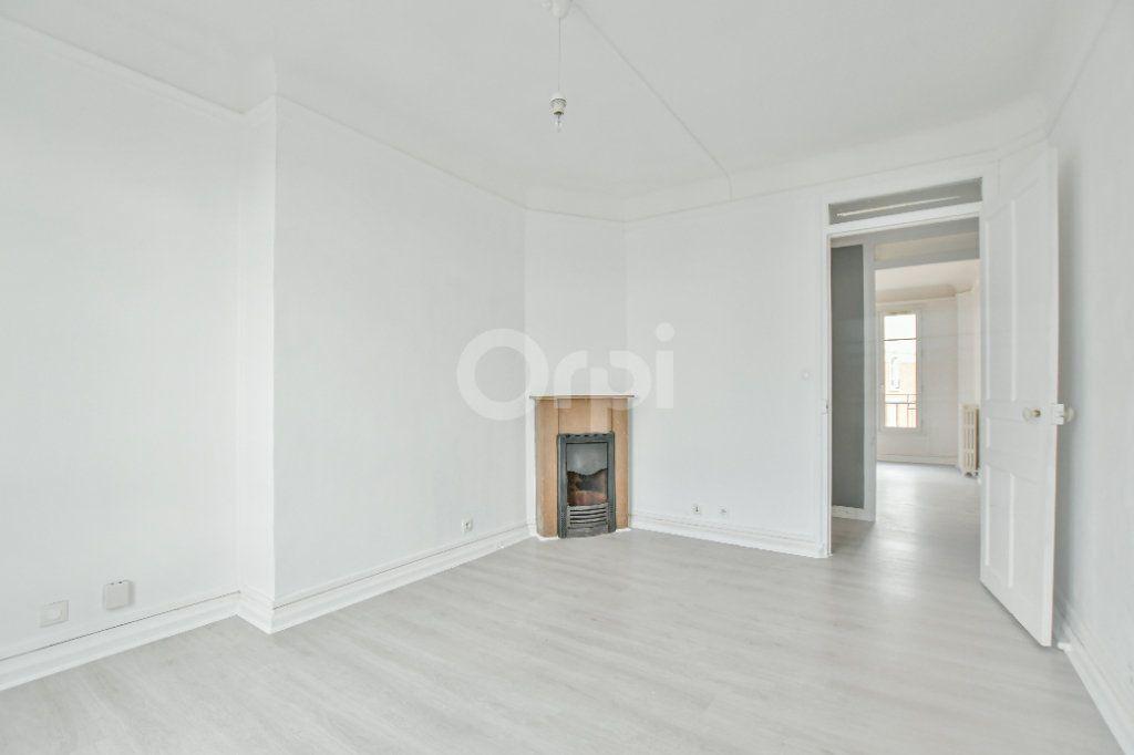 Appartement à louer 2 59.24m2 à Courbevoie vignette-2