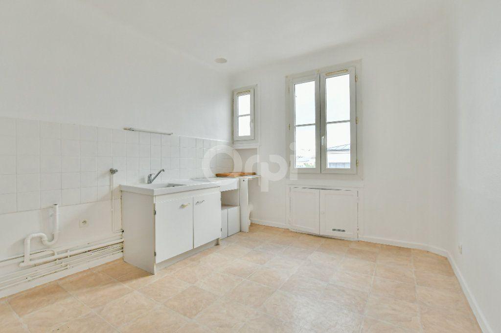 Appartement à louer 2 59.24m2 à Courbevoie vignette-4