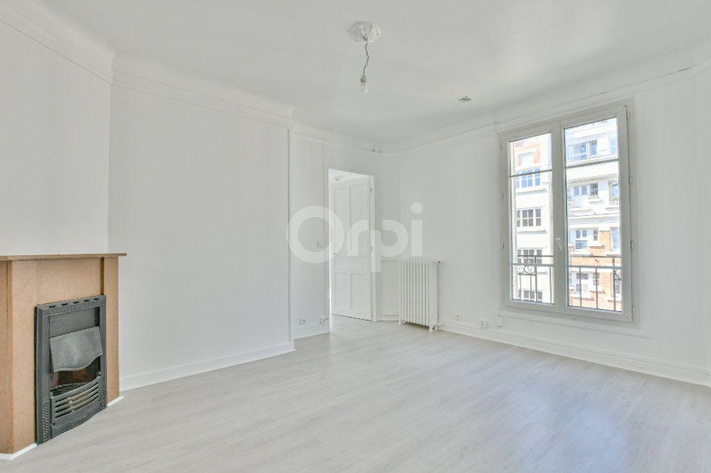 Appartement à louer 2 39.26m2 à Courbevoie vignette-2