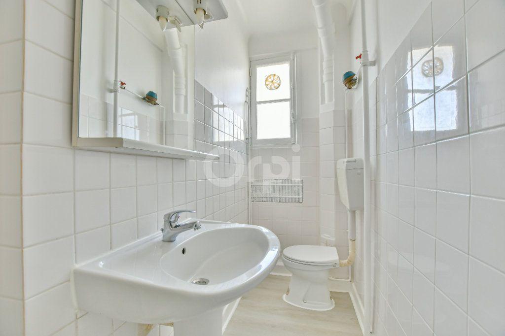Appartement à louer 2 39.26m2 à Courbevoie vignette-9