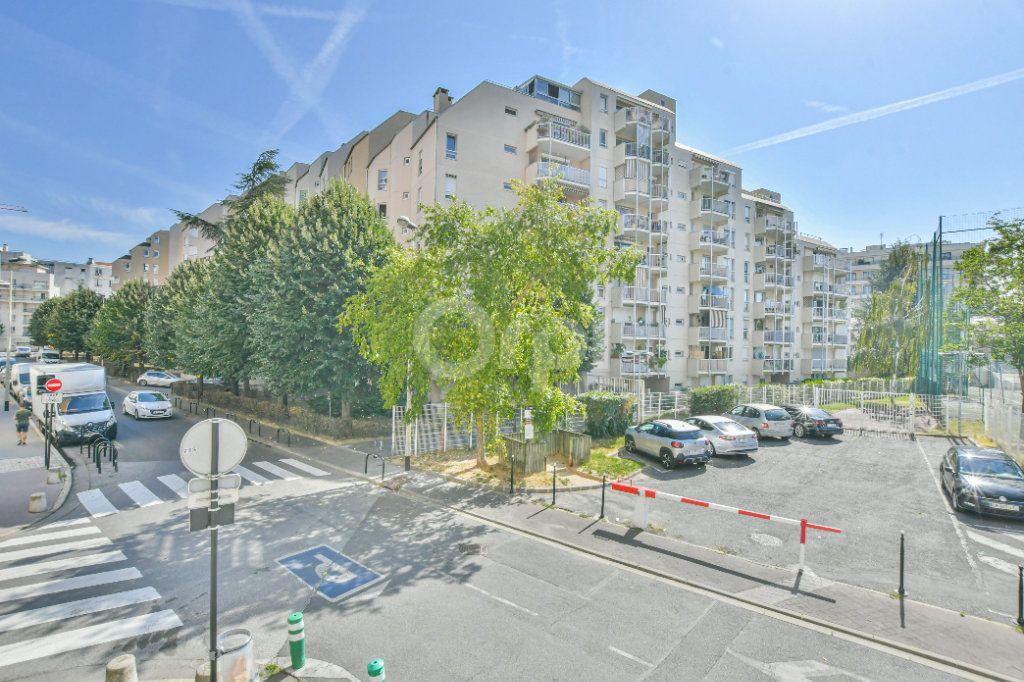 Appartement à louer 2 46.61m2 à Courbevoie vignette-1