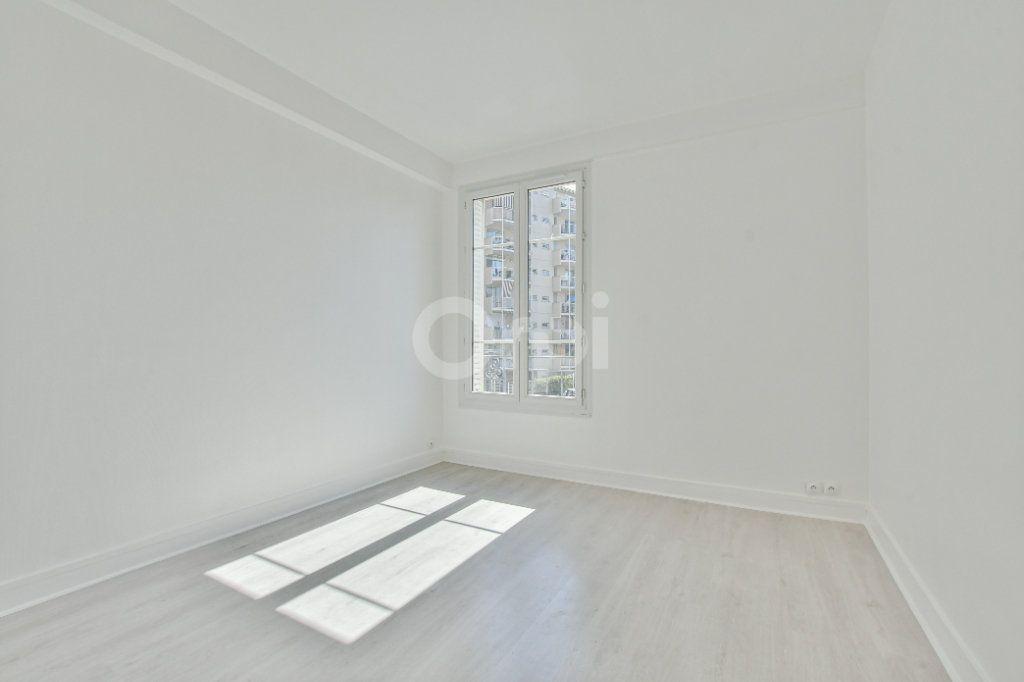 Appartement à louer 2 46.61m2 à Courbevoie vignette-2