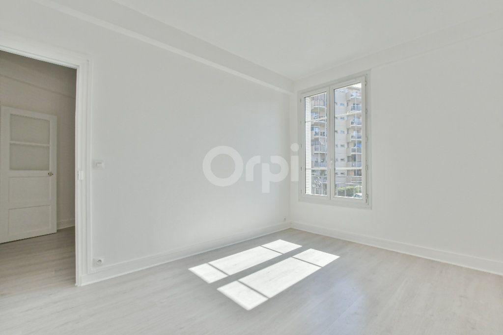 Appartement à louer 2 46.61m2 à Courbevoie vignette-3