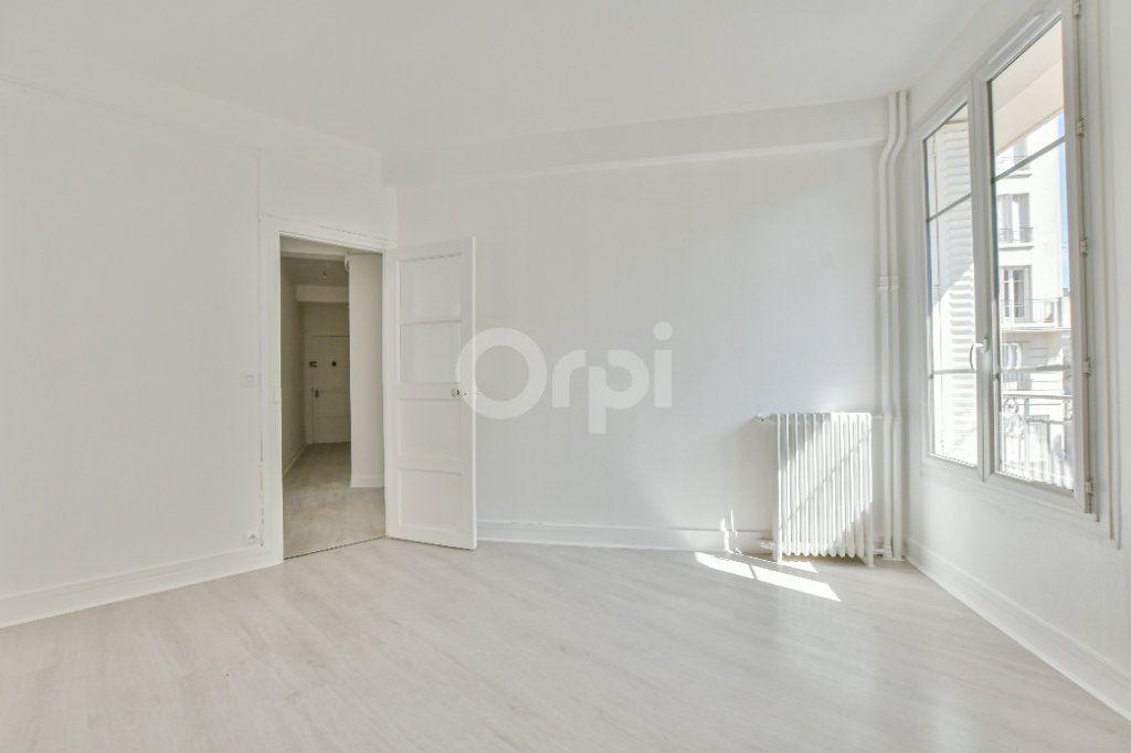 Appartement à louer 2 46.61m2 à Courbevoie vignette-4