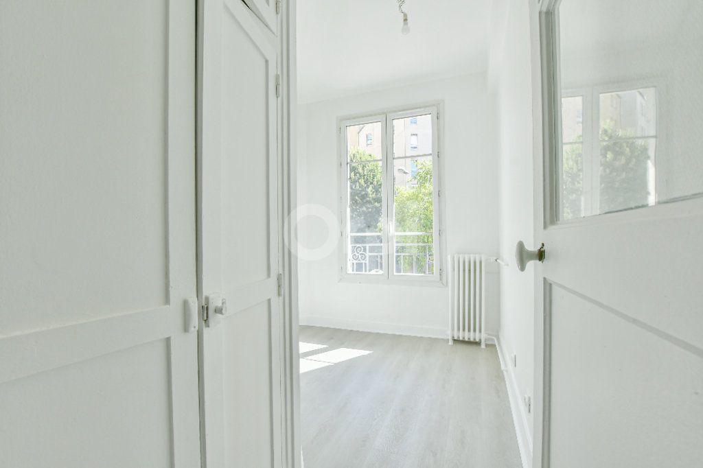 Appartement à louer 2 46.61m2 à Courbevoie vignette-6