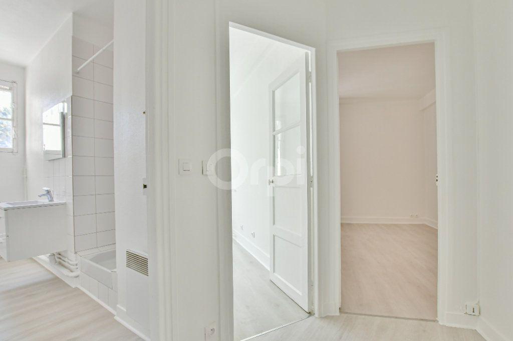 Appartement à louer 2 46.61m2 à Courbevoie vignette-9