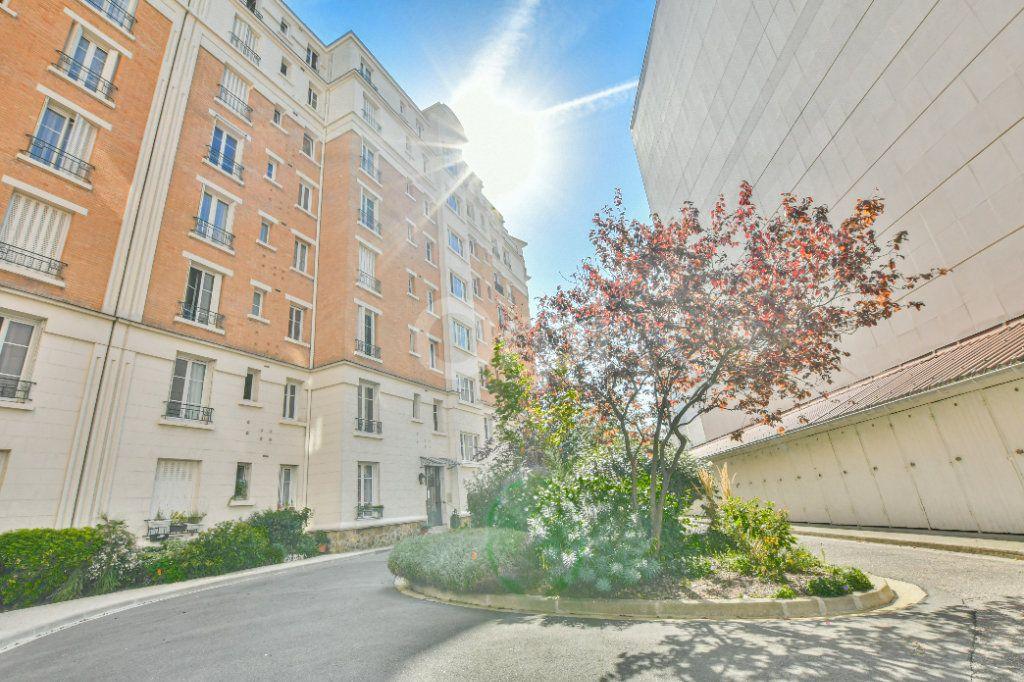 Appartement à louer 2 46.61m2 à Courbevoie vignette-11