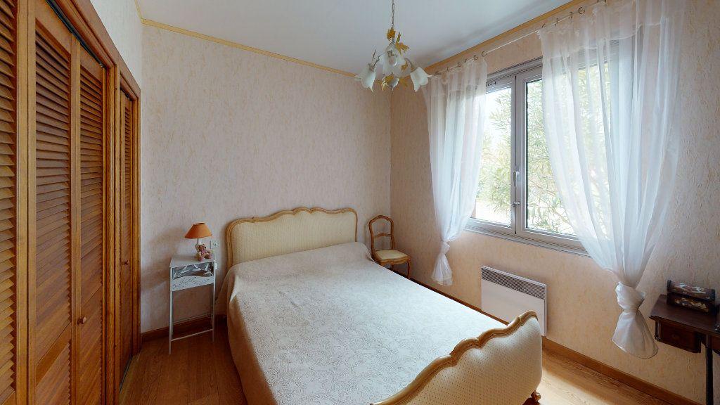 Maison à vendre 5 115m2 à Villeneuve-la-Comptal vignette-3