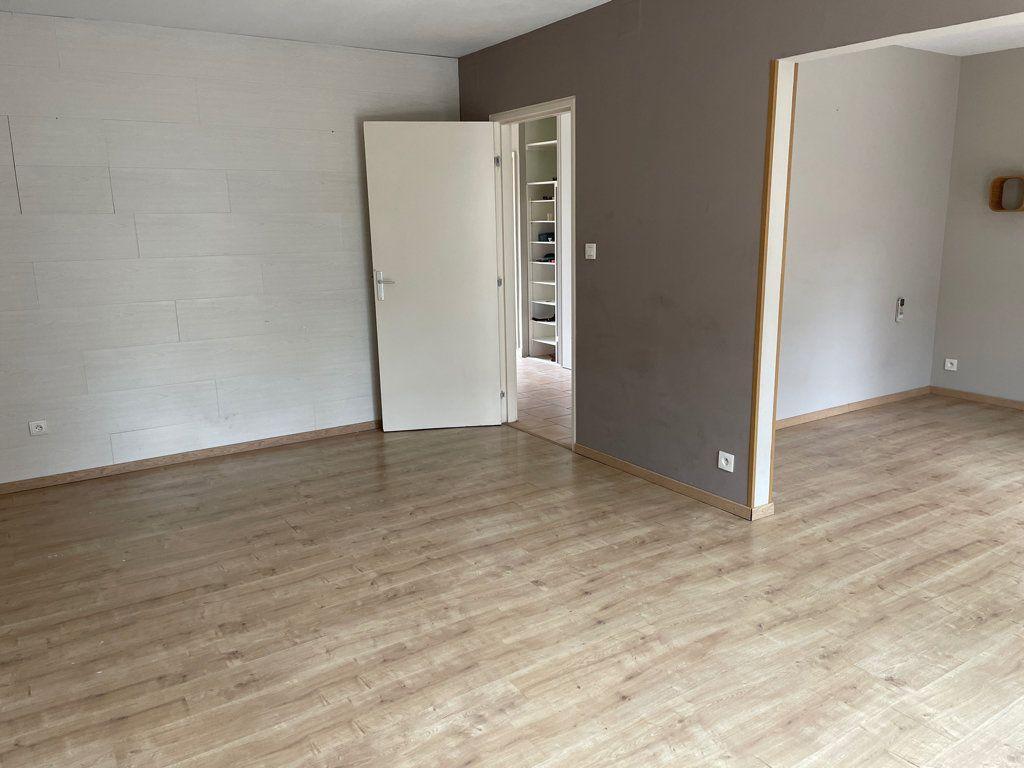 Maison à louer 5 100m2 à Castelnaudary vignette-2