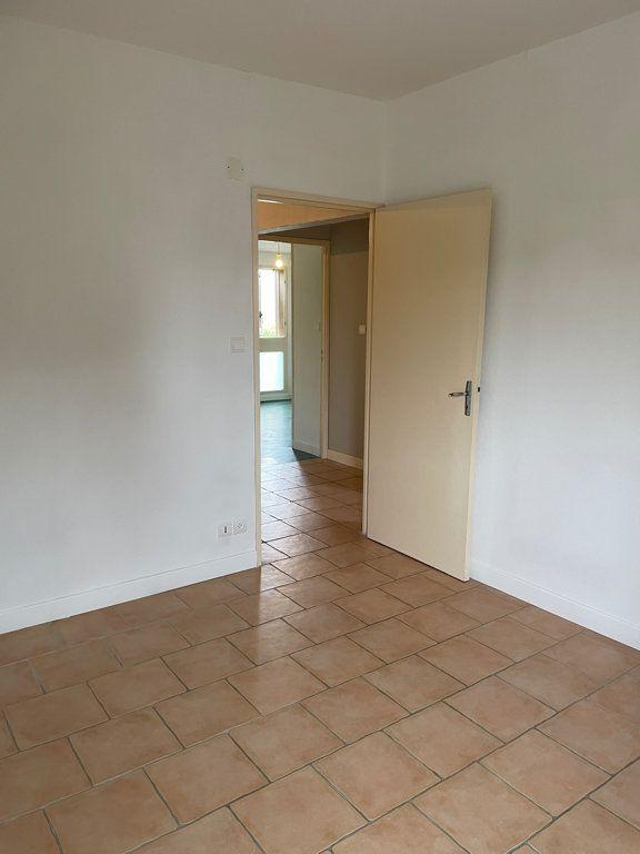 Maison à louer 5 100m2 à Castelnaudary vignette-4