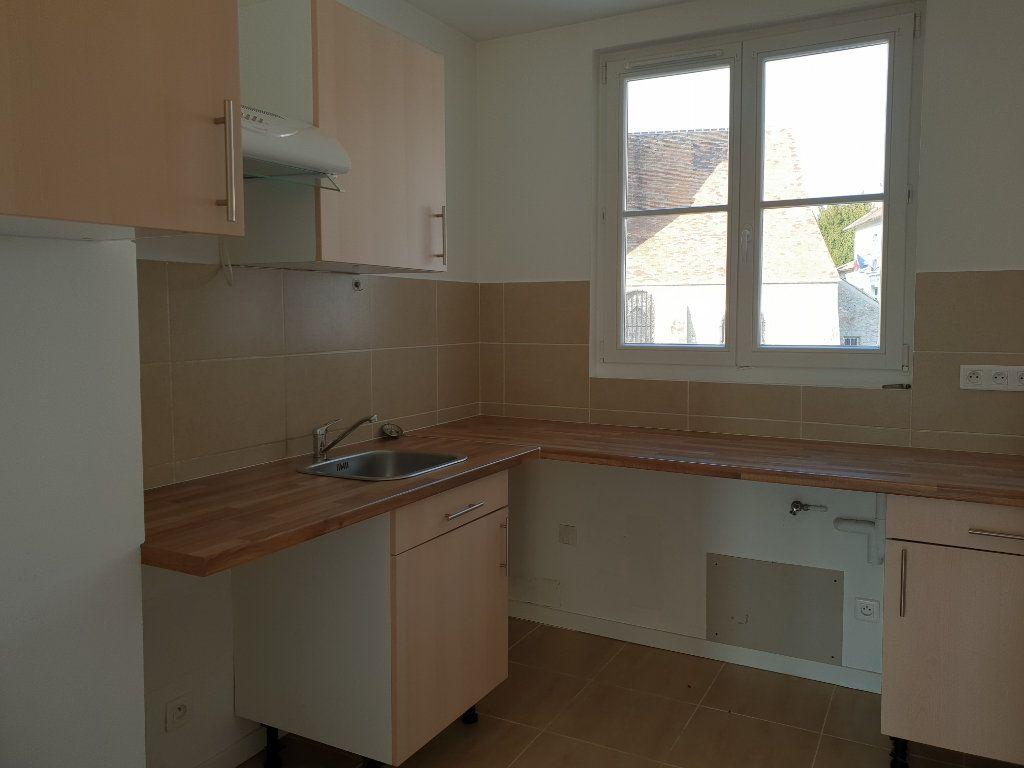 Appartement à louer 2 39.5m2 à Boissise-la-Bertrand vignette-2