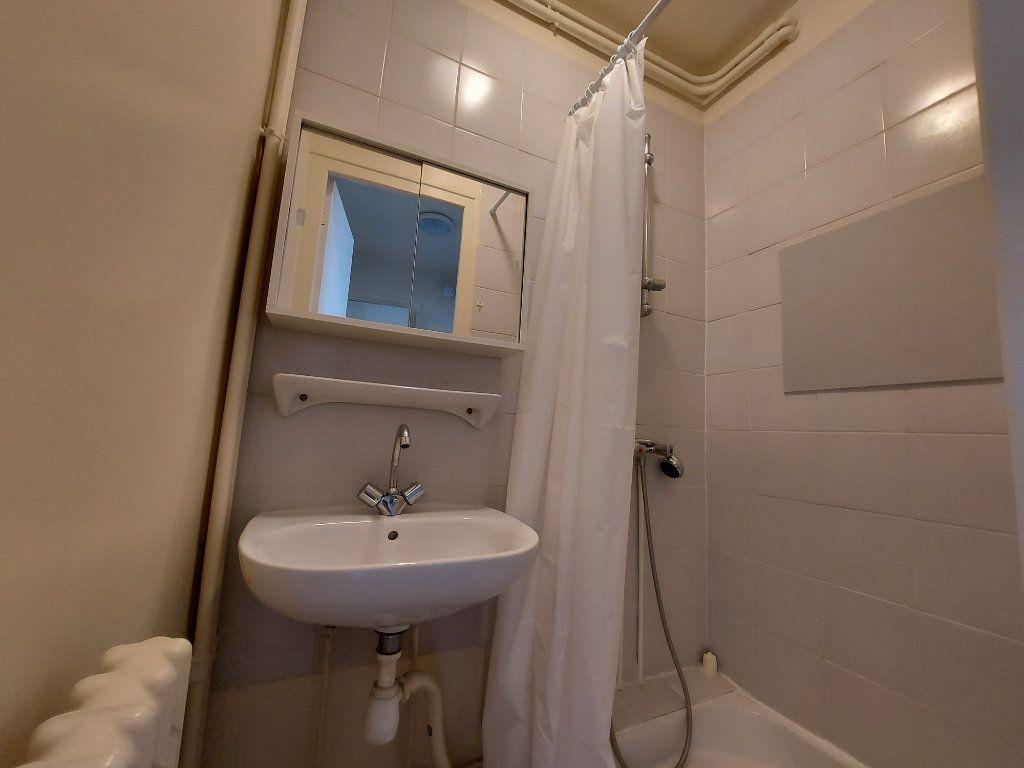 Appartement à louer 1 28.21m2 à Melun vignette-4