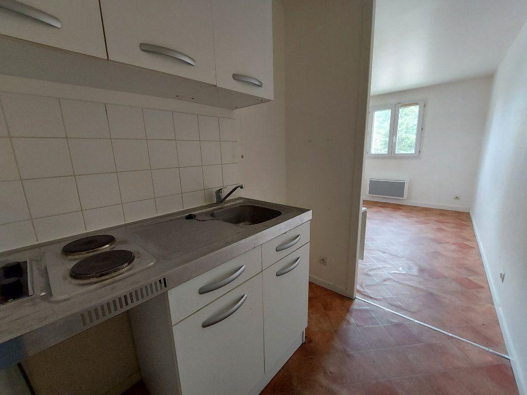 Appartement à louer 1 21.94m2 à Melun vignette-1