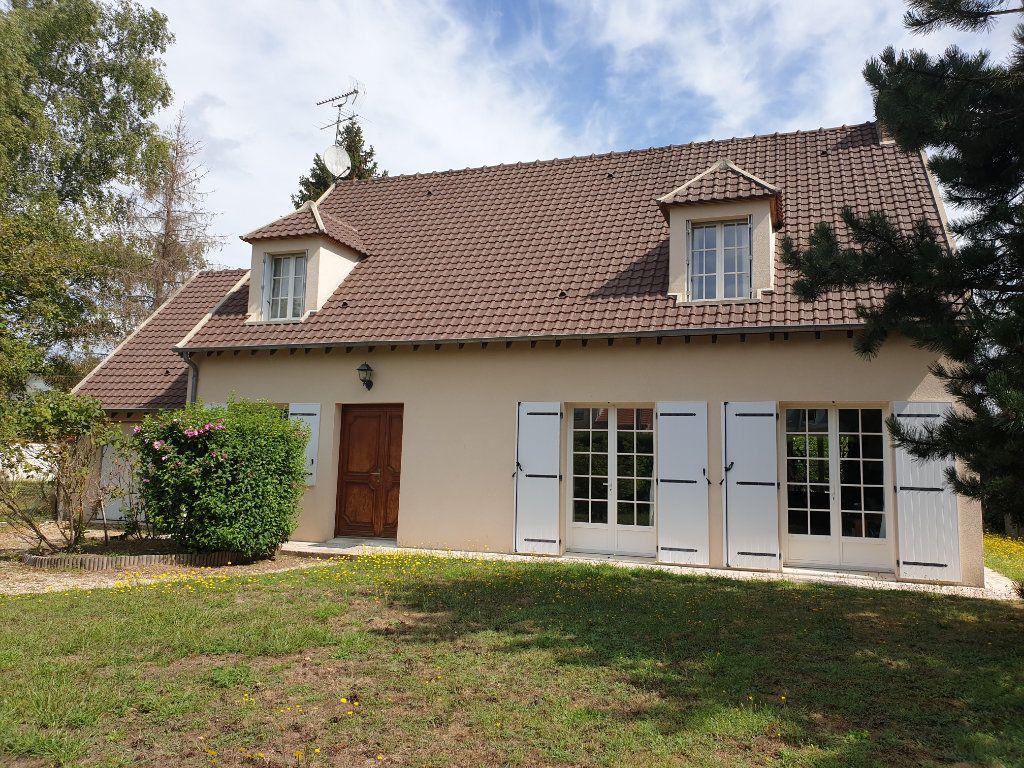 Maison à louer 7 170m2 à Bois-le-Roi vignette-1