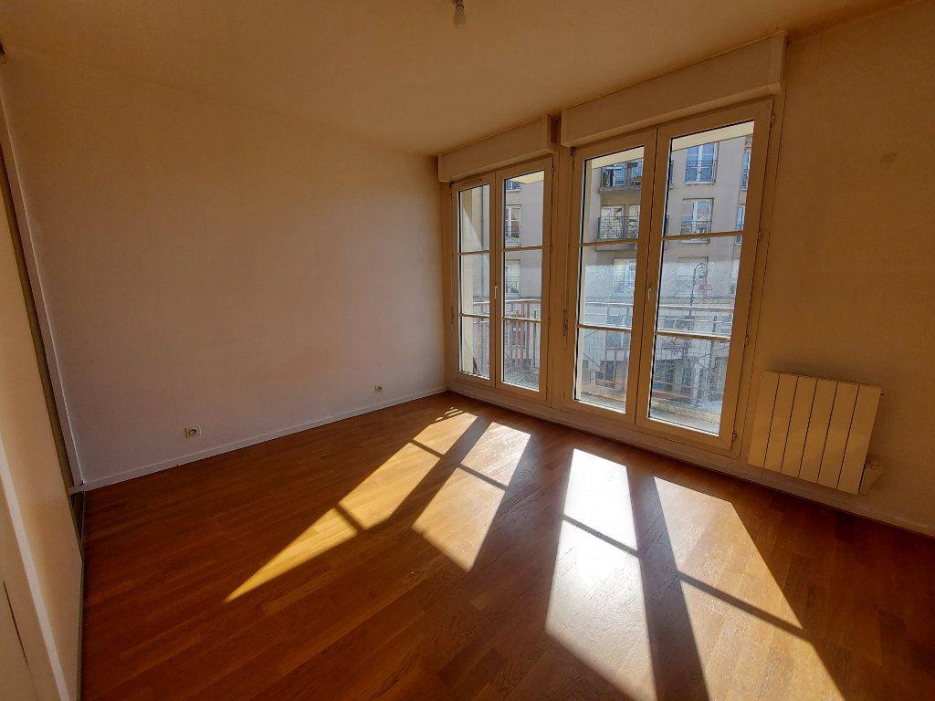Appartement à louer 5 127.58m2 à Melun vignette-6