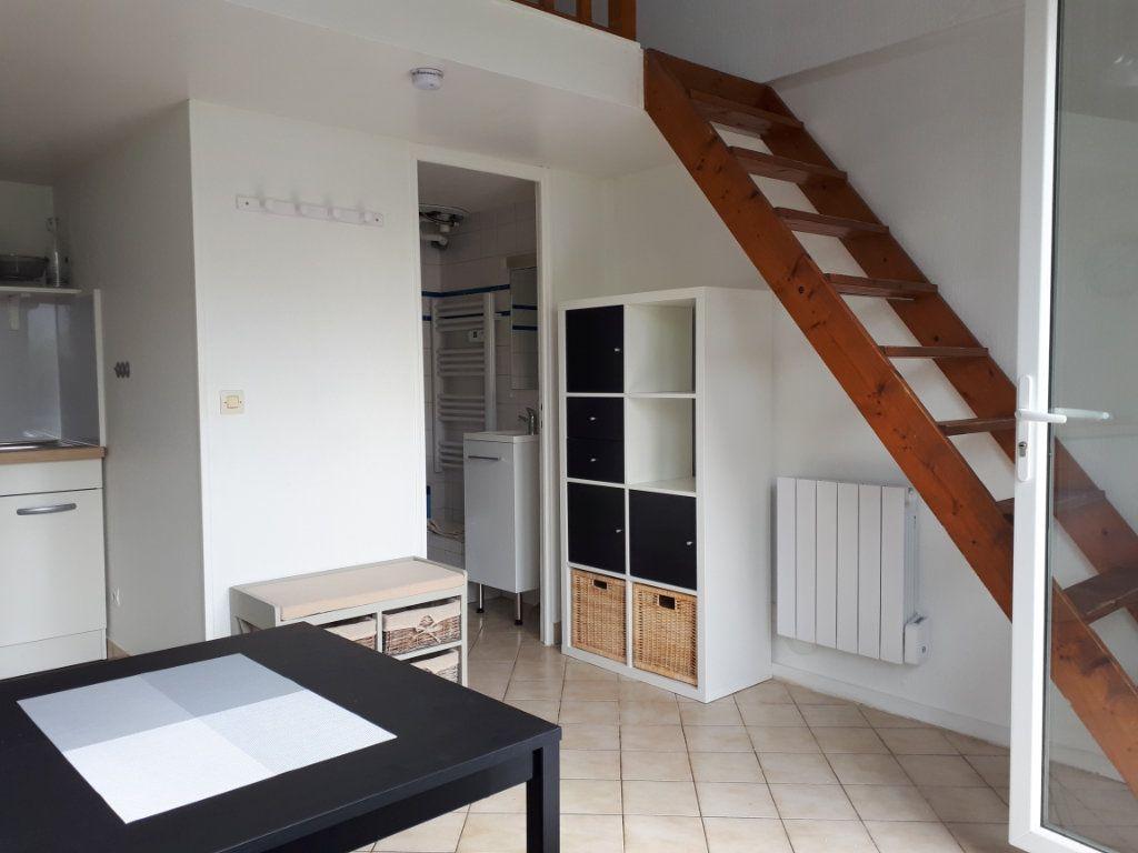 Appartement à louer 1 16.11m2 à Melun vignette-1
