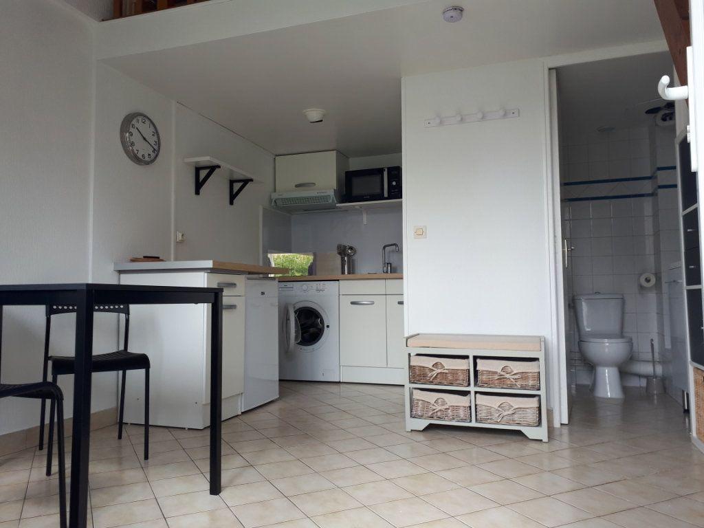Appartement à louer 1 16.11m2 à Melun vignette-2