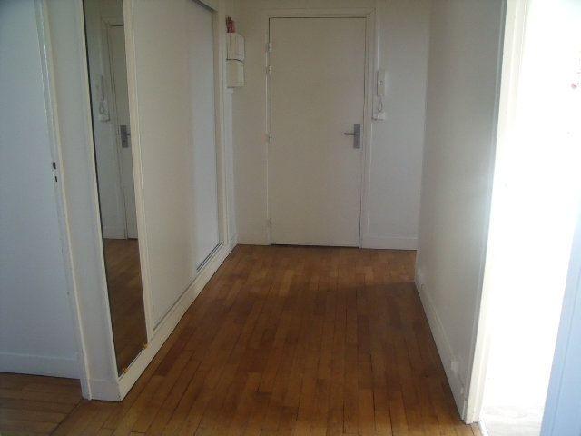 Appartement à louer 3 63.79m2 à Melun vignette-2