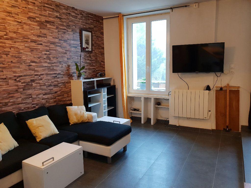 Appartement à louer 1 30.39m2 à Maincy vignette-3