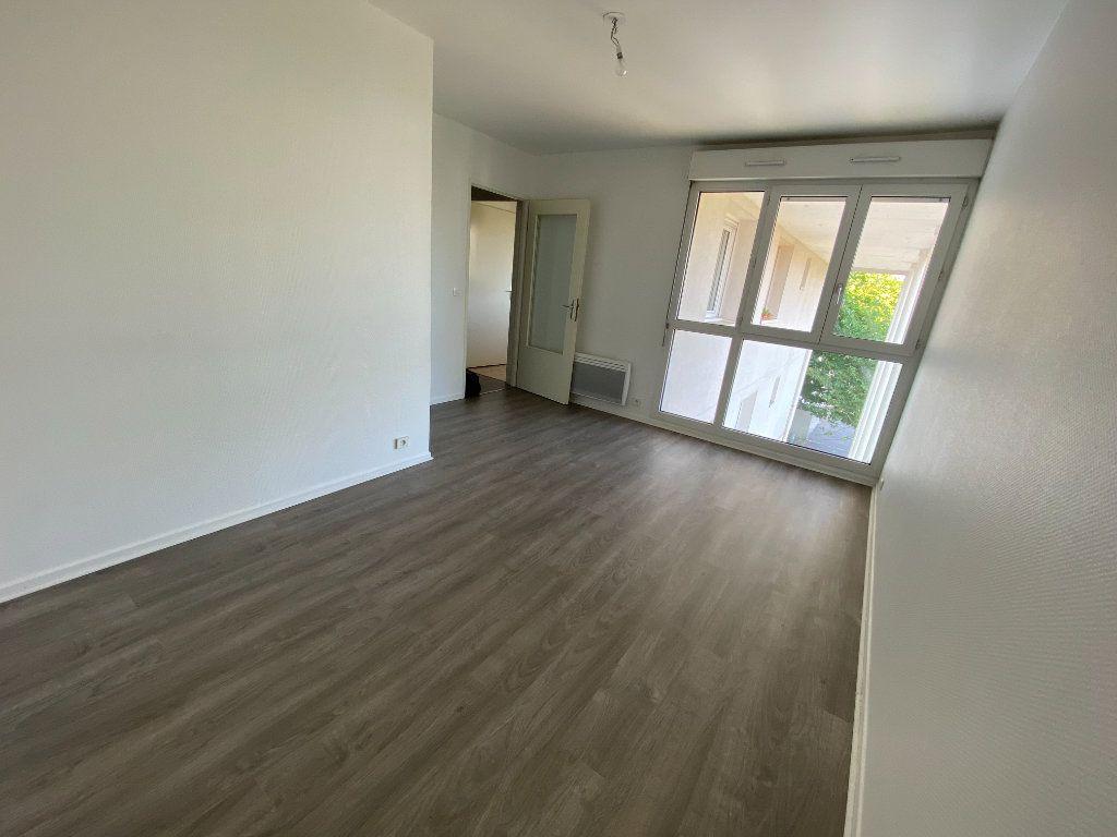 Appartement à louer 1 28.1m2 à Melun vignette-2