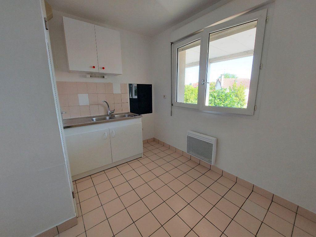Appartement à louer 1 28.1m2 à Melun vignette-4