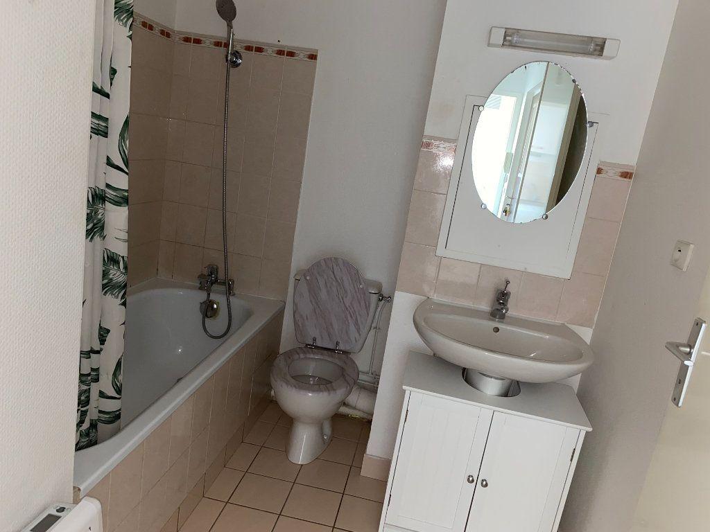 Appartement à louer 1 28.1m2 à Melun vignette-5