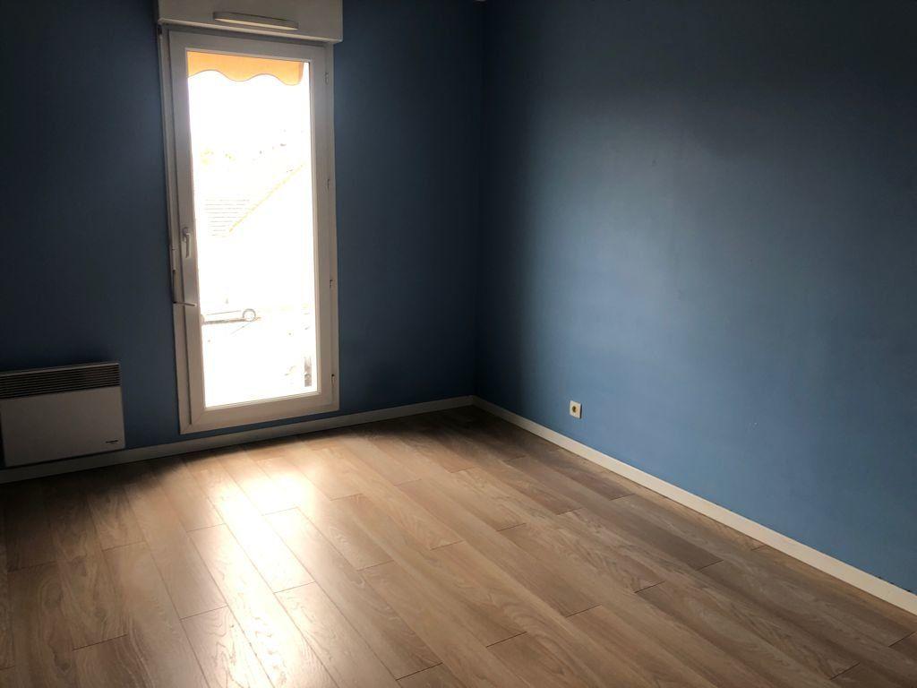 Appartement à vendre 4 89.22m2 à Melun vignette-8