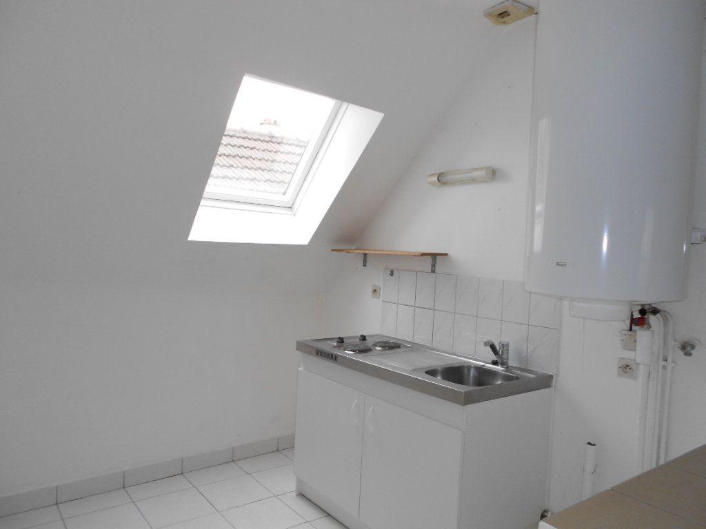 Appartement à louer 1 15.1m2 à Melun vignette-2