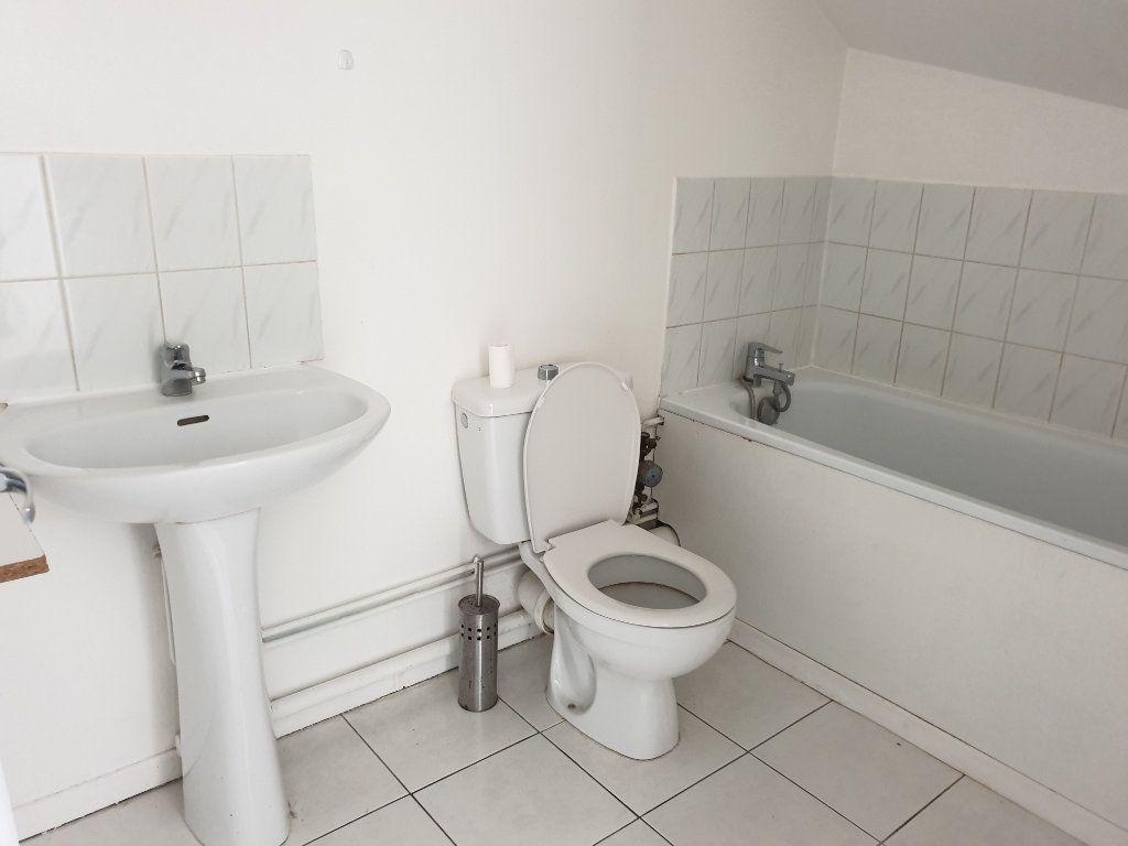 Appartement à louer 1 15.1m2 à Melun vignette-3