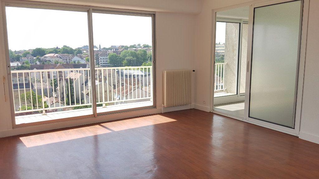 Appartement à louer 3 61.32m2 à Melun vignette-1