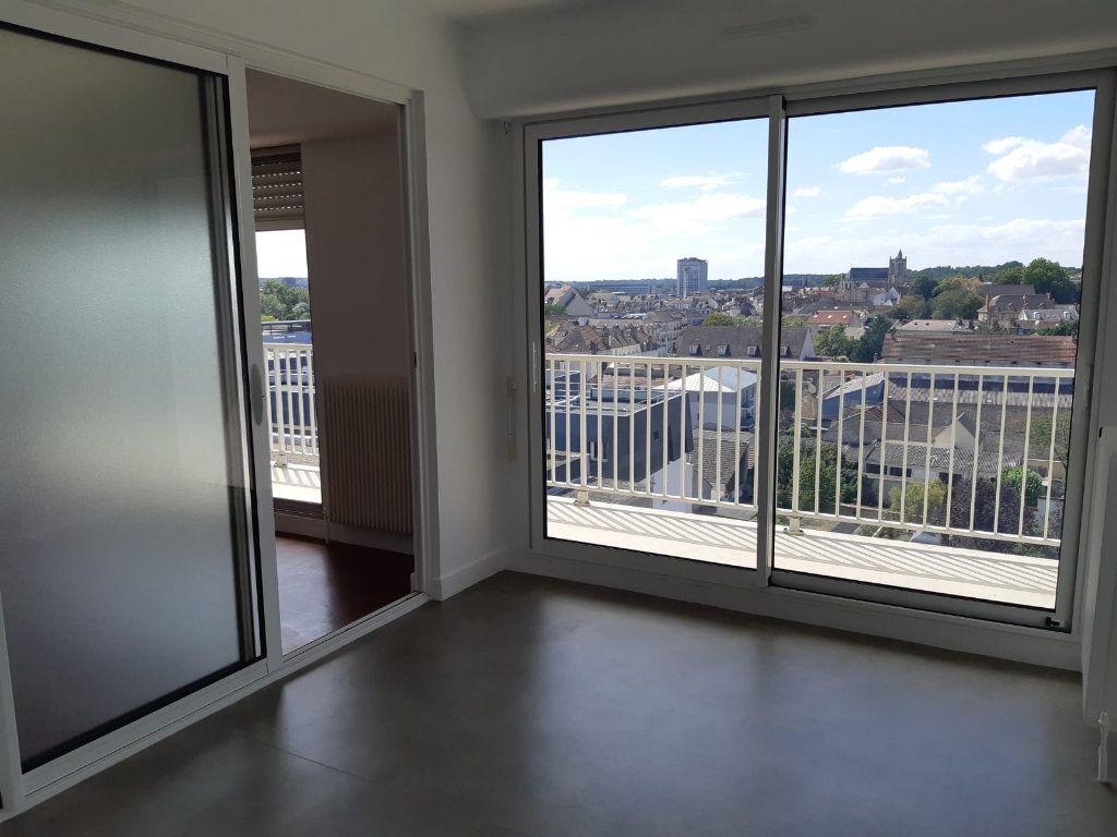 Appartement à louer 3 61.32m2 à Melun vignette-3