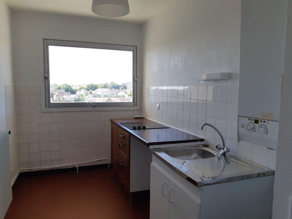 Appartement à louer 3 61.32m2 à Melun vignette-4