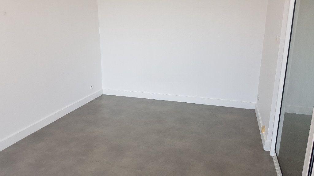 Appartement à louer 3 61.32m2 à Melun vignette-6