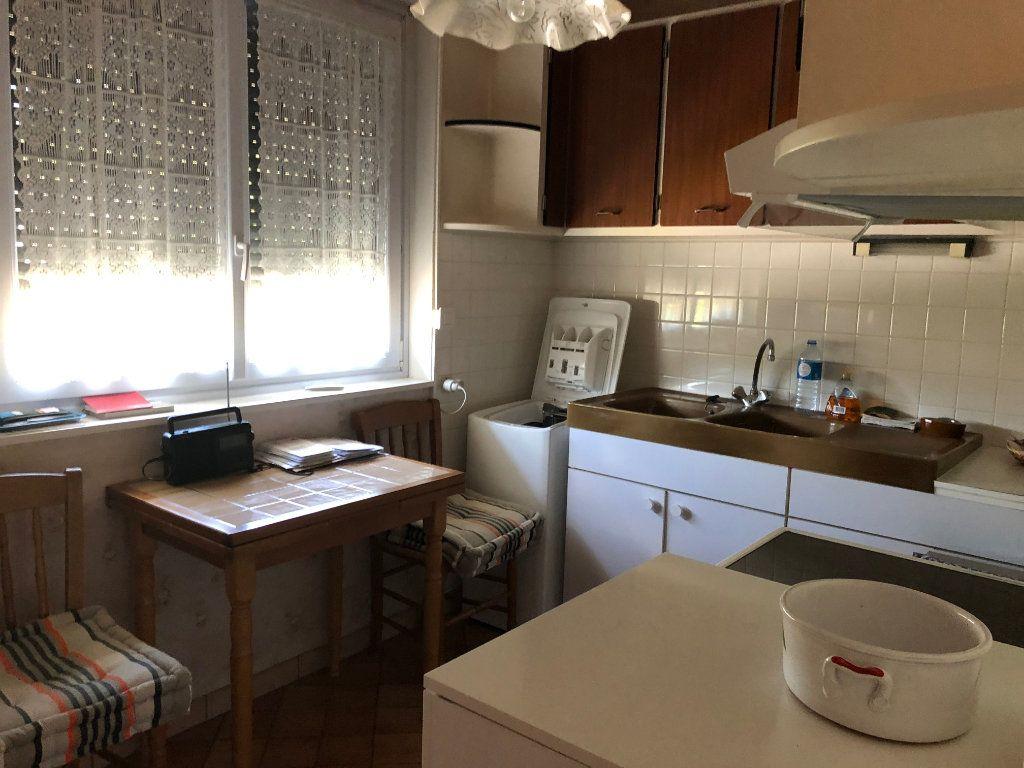 Appartement à vendre 4 66.5m2 à Saint-Fargeau-Ponthierry vignette-3