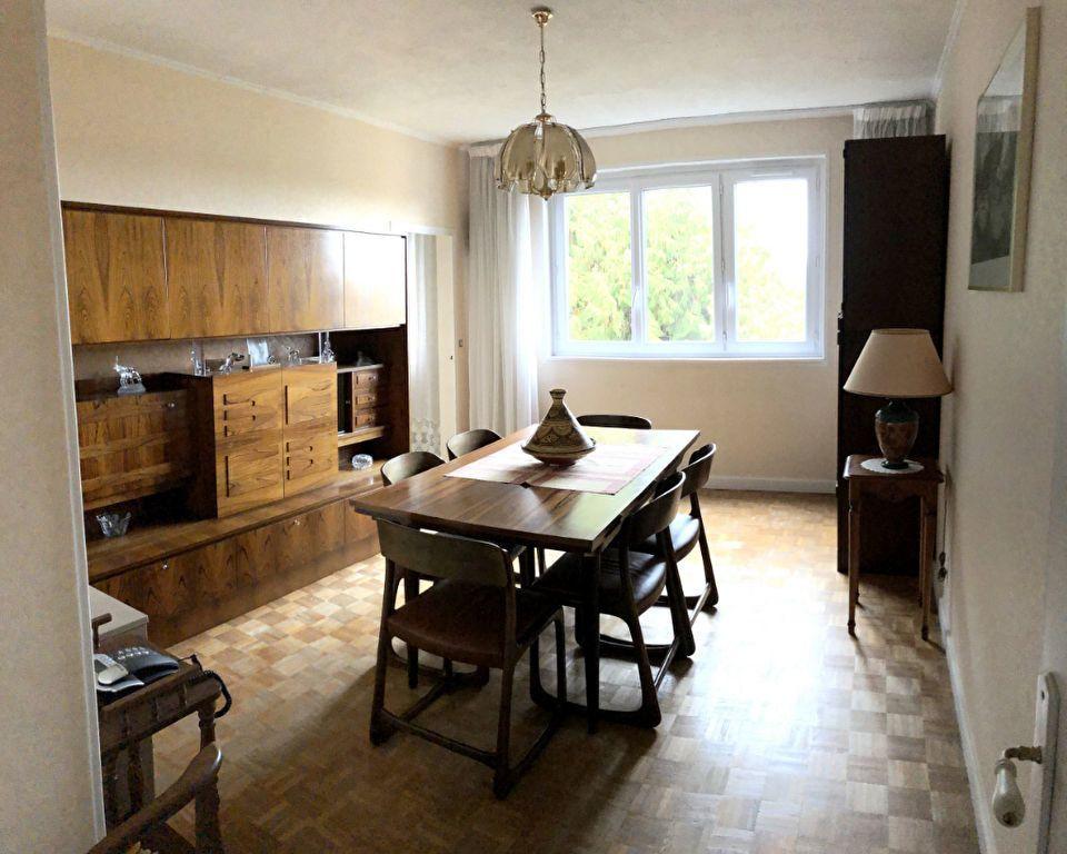Appartement à vendre 4 66.5m2 à Saint-Fargeau-Ponthierry vignette-4