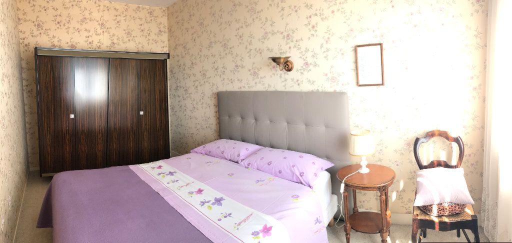 Appartement à vendre 4 66.5m2 à Saint-Fargeau-Ponthierry vignette-6