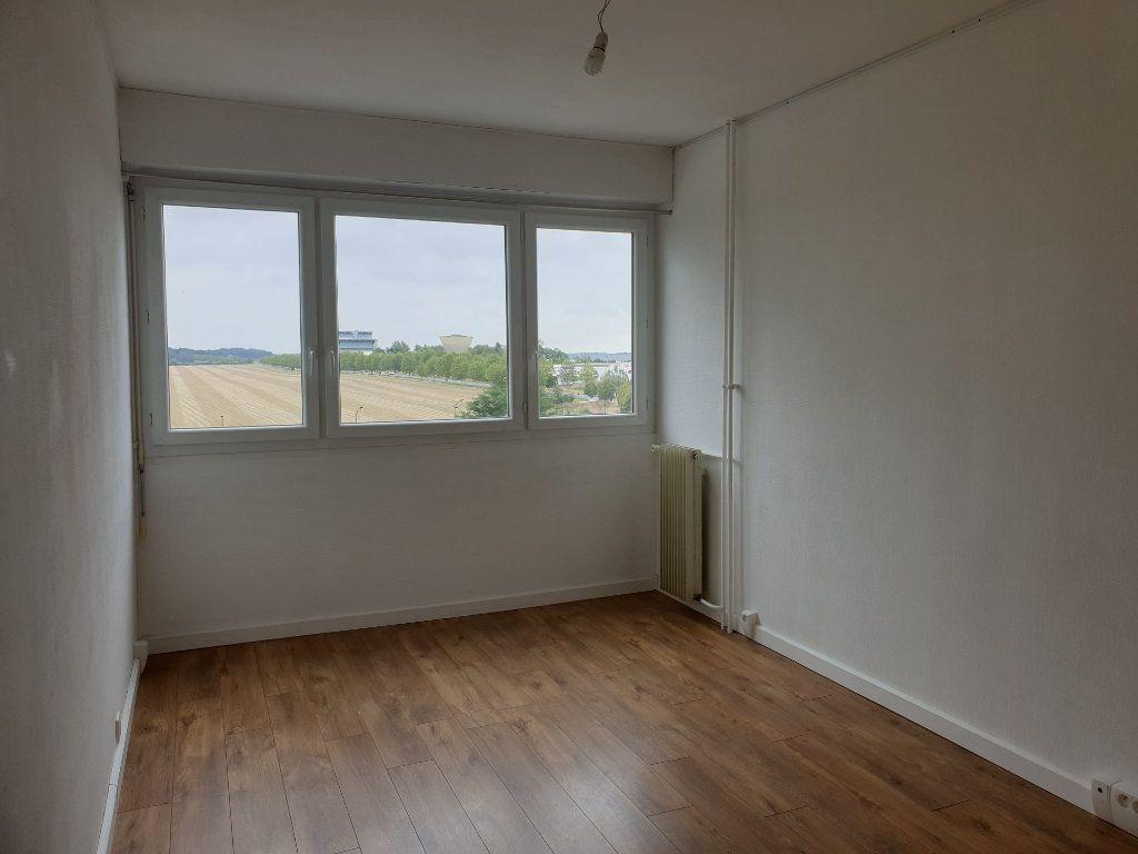 Appartement à louer 3 68.16m2 à Melun vignette-3