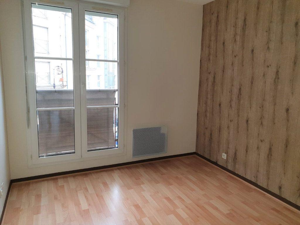Appartement à louer 2 49.2m2 à Melun vignette-3